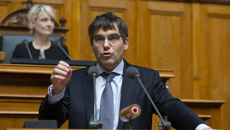 SP-Nationalrat Roger Nordmann will im Rahmen einer Sondersession über die Verlängerung der Hilfen für Selbständige diskutieren.