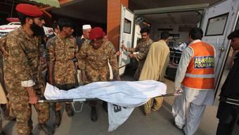 Taliban stürmten eine Schule. Bei den meisten Toten handelt es sich um Kinder und Jugendliche.
