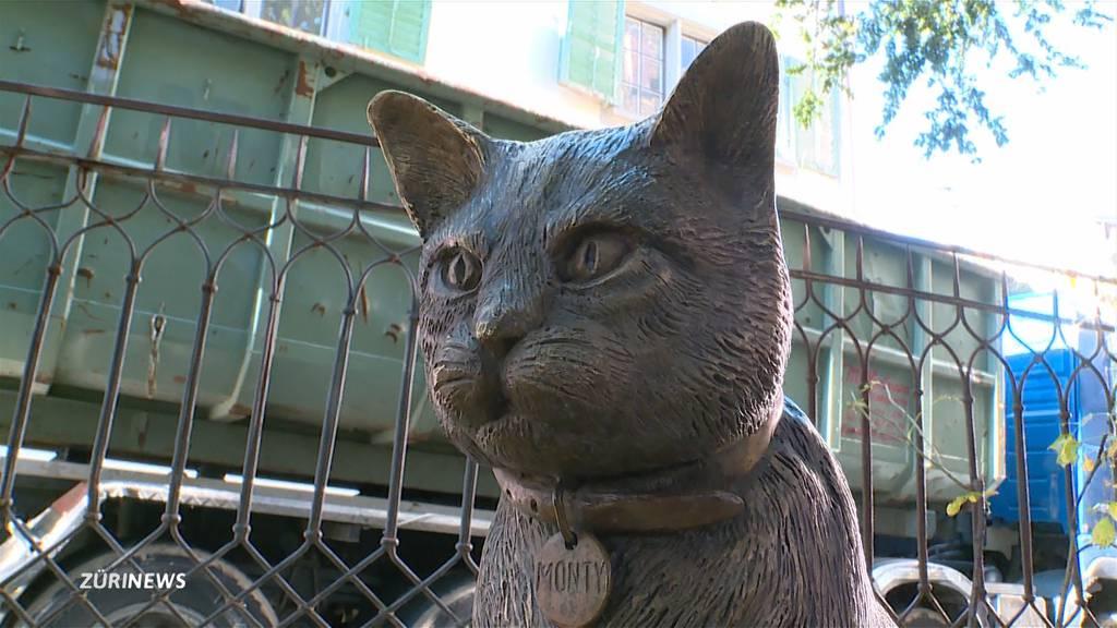 Geklaute Monty-Statue wieder zurück