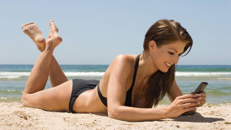 Das Handy-Surfen wird für Swisscom-Kunden ab dem 1. April in fast allen Ländern günstiger.