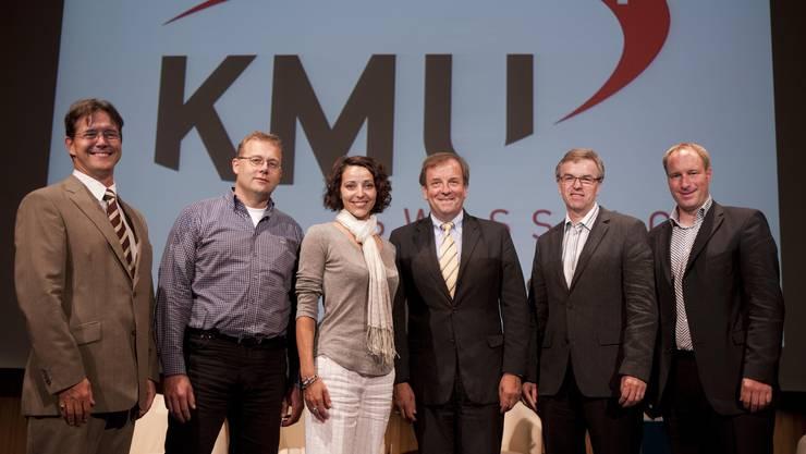Podiumsteilnehmer (v. l.) Armin Baumann (KMU Swiss AG), Werner Haderer  (Wisa Gloria AG), Sandra Stella Triebl (Ladies Drive), Moderator Franz A. Zölch,  Peter Jakob (Jakob AG), und Thomas Binggeli (Thömus Veloshop).