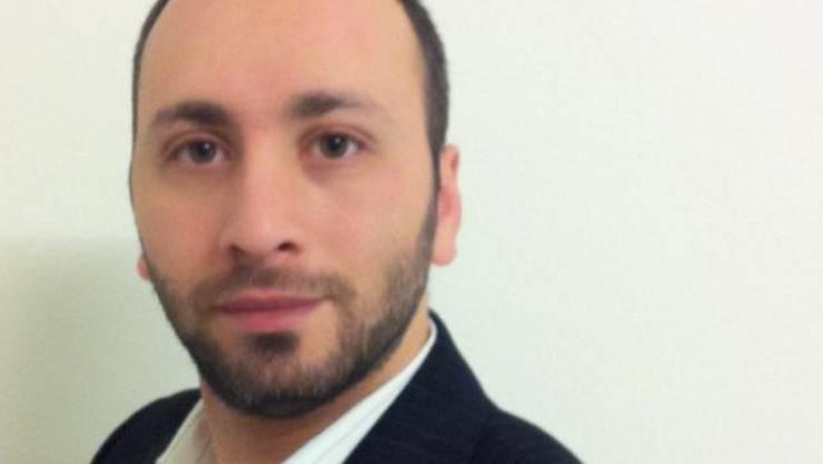Serhad Karatekin hält nicht viel davon, dass Baselbieter Schüler mit einer Busse rechnen müssen, wenn sie Lehrkräften den Händedruck verweigern. (zVg)