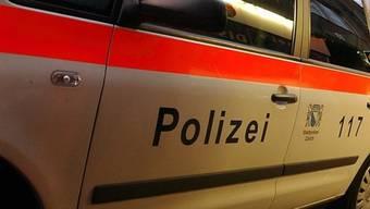 Eine Patrouille griff am Freitagmorgen in der Zürcher Langstrasse einen Verletzten auf. (Symbolbild)