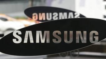 Samsung-Logos in einem Schaufenster in Südkorea (Archiv)