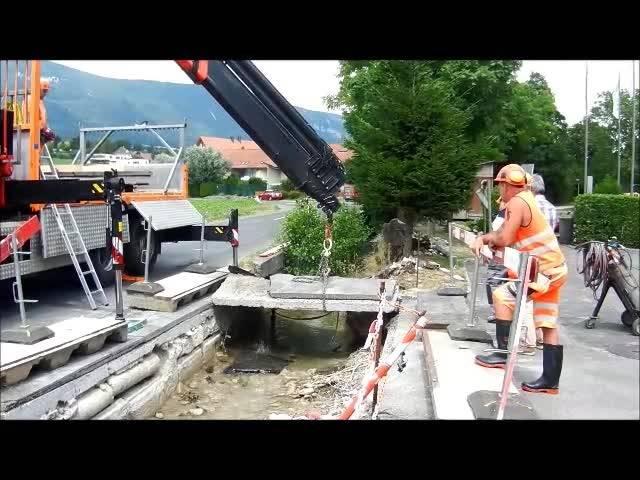 Altreu: Brüggli über Lochbach wird entfernt