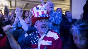 Ihr Kandidat, der Demokrat Antonio Delgado, hat die Wahl ins Repräsentantenhaus geschafft: Wähler in Kingston im Bundesstaat New York.