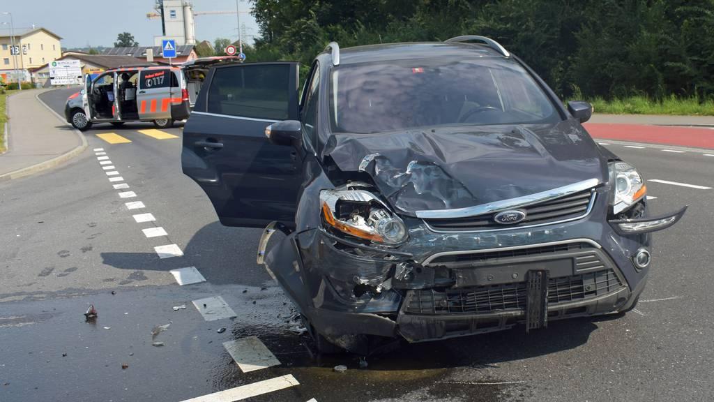 Betrunkener Fahrer flüchtet nach Unfall