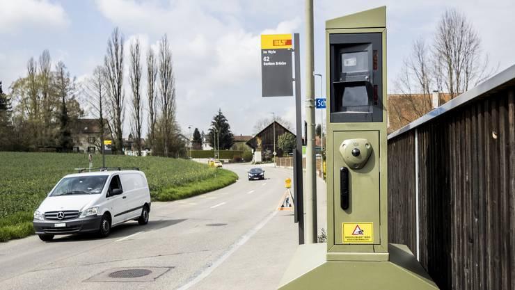Die Aargauer Regierung muss ein Verbot von stationären Blitzern prüfen.