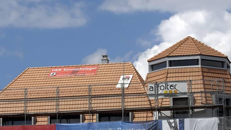 2005 wurde das neue Dach der ehemaligen Handelsbank am Altstadtrand als Sündenfall empfunden