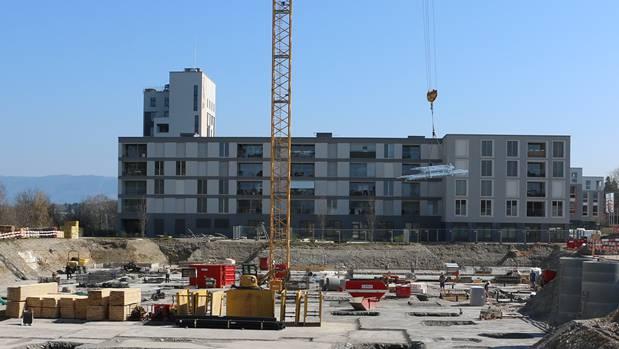 Im Bau: Die zweite Etappe der Überbauung Salmenpark in Rheinfelden. Hier entstehen über 130 Wohnungen.