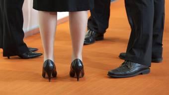 Die Lohnschere zwischen Mann und Frau ist weiterhin weit geöffnet (Symbolbild)