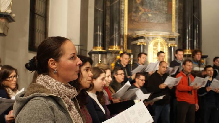«Coro Sonoro» singt das Werk «O Magnum Mysterium» in fünf Interpretationen aus verschiedenen Jahrhunderten.