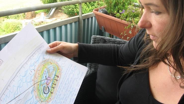 Diana Schmid verarbeitet ihre Nahtoderfahrung, indem sie sie zeichnet und darüber spricht.  HHS