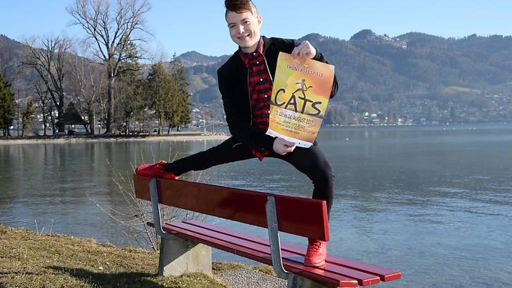 Offen für Neues: Der ehemalige Kunstturner Lucas Fischer hat eine Rolle in der Neuinszenierung des Musicals Cats, das heuer im Rahmen der Thunerseespiele aufgeführt wird. (zvg)