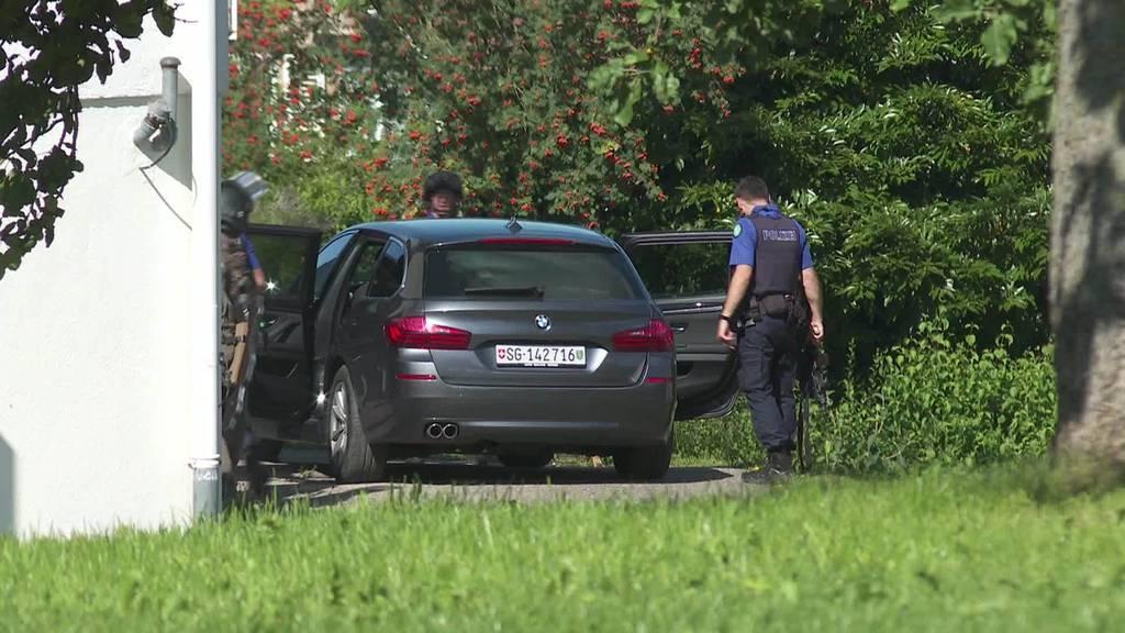 Grosseinsatz: Mann verschanzt sich in Engelburg