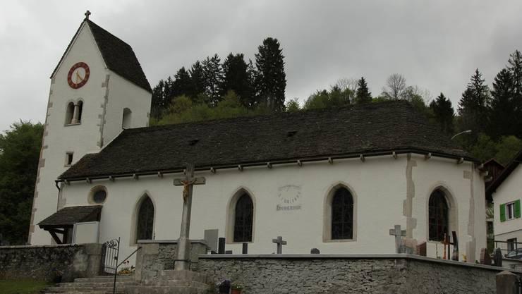 Die Kirche von Soubey hat ein Dach aus Kalksteinplatten – in der Schweiz gibt's das nördlich der Alpen sonst nirgends.