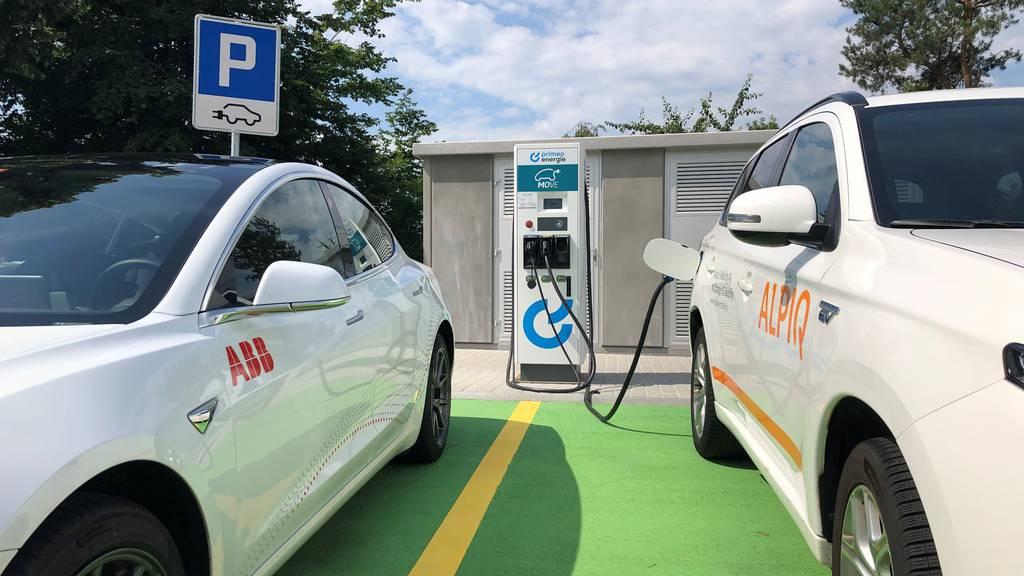 Erste Schnellladestation für E-Autos auf Autobahn A2 in Betrieb