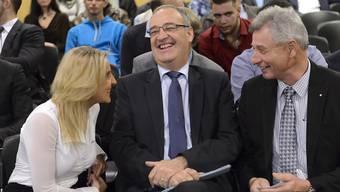Guy Parmelin am Mittwochabend an der Nominationsversammlung der SVP Waadt mit der Genfer SVP-Nationalrätin Céline Amaudruz und dem Waadtländer Nationalrat Jean-Pierre Grin.