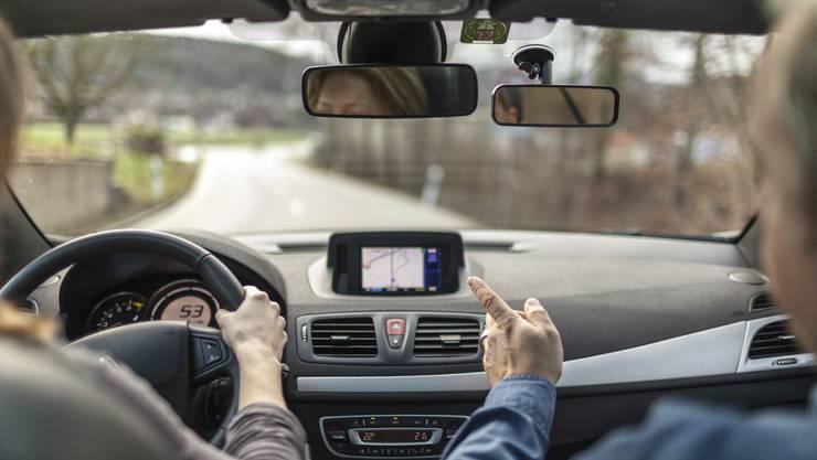 «Die Erfolgsquote hängt davon ab, ob er sich mit dem Fahrschüler auseinandersetzt oder ob er nur auf schnelles Geld aus ist», so Fahrlehrer Emmanuel Rettenmund von der Fahrschule Mäne's Drive. (Symbolbild)