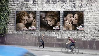 Plakate der Safer-Sex-Check-Kampagne des Bundesamtes für Gesundheit nahe des Centrals in Zürich.