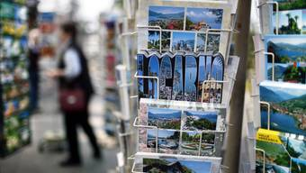Eine Reise durch die Postkartenschweiz kann nicht nur zu völlig neuen An- und Einsichten führen, sondern auch zur Inspiration für eine 1. August-Ansprache werden.