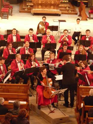Solistin Daniela Hunziker interpretiert mit der Stadtmusik das Concerto Militaire von Offenbach