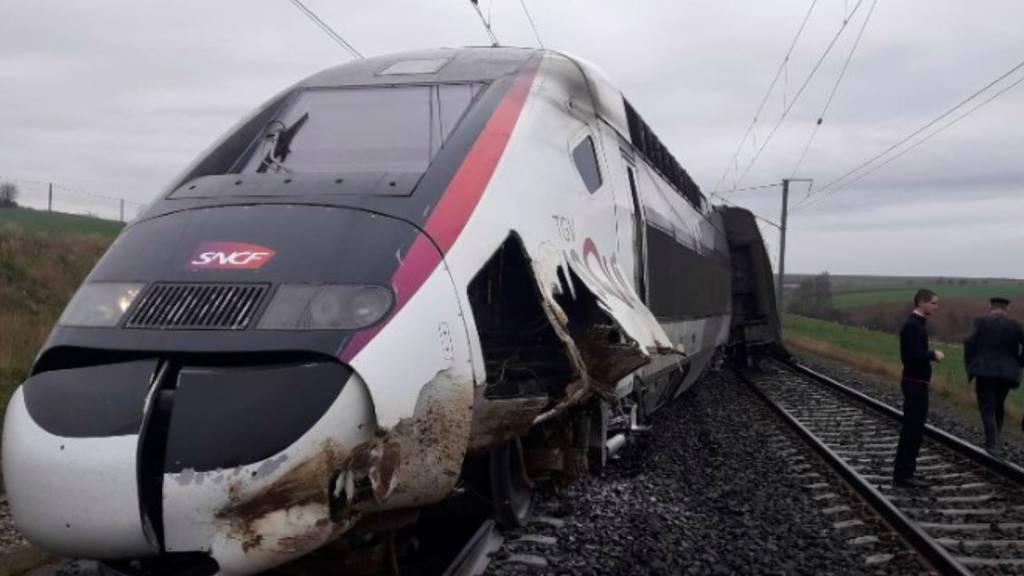 TGV entgleist auf dem Weg nach Paris – mehrere Verletzte