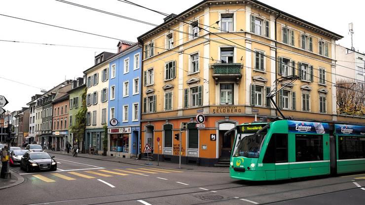 Das 8er-Tram auf der Klybeckstrasse.