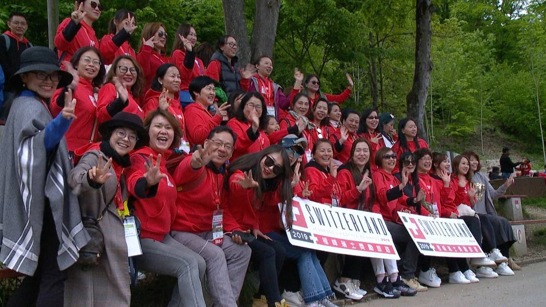 12'000 Chinesen stürmen die Schweiz - und sie lieben unser Land!