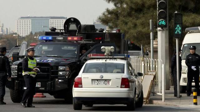 Chinas Polizei im Einsatz nach dem Zwischenfall im Zentrum Pekings