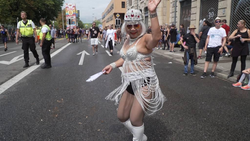 Laut und wild - so feiern die Raver die 28. Streetparade