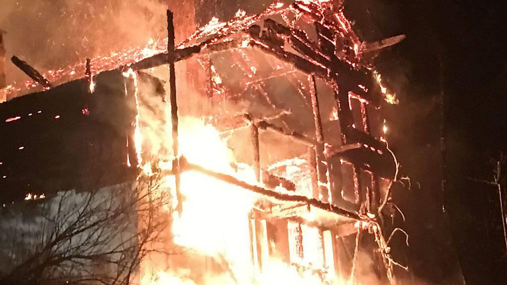 Waadt: Chalet durch Brand zerstört