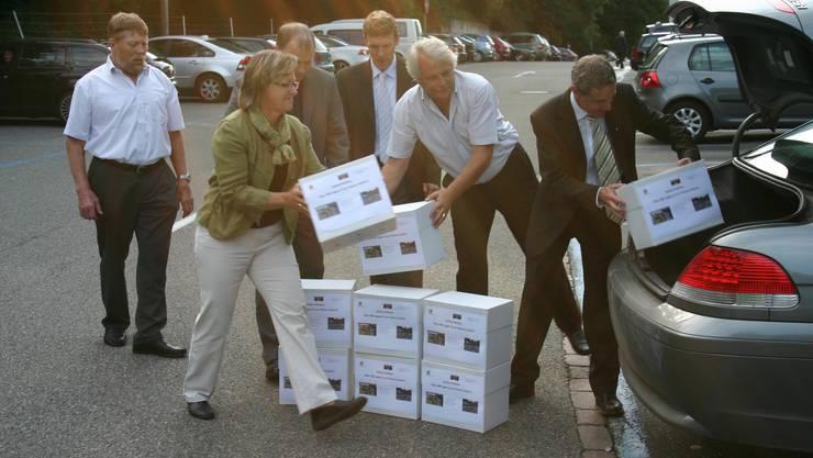 Im August 2010 reichte der Weininger Gemeinderat die Petition «Chance Gubrist» in Bern ein.  zim