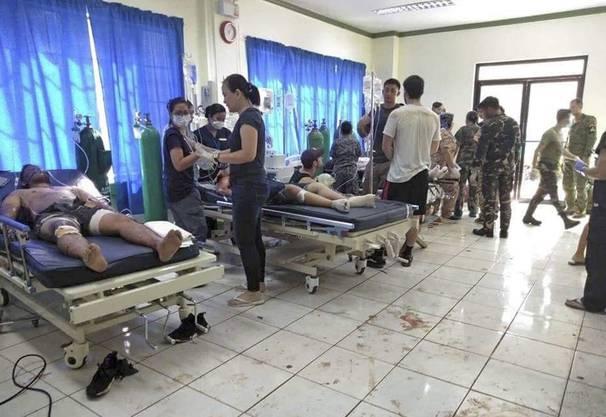 71 weitere Personen wurden verletzt, wie die philippinische Polizei mitteilte