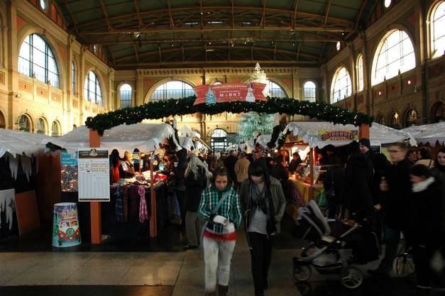 .. über den Christkindli-Markt im Hauptbahnhof...