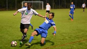 Wenn ein 3.-Liga-Derby ansteht, sind die Urdorfer (l.) bereit. In der Vorrunde der laufenden Saison hatte auch der FC Oetwil-Geroldswil das Nachsehen.