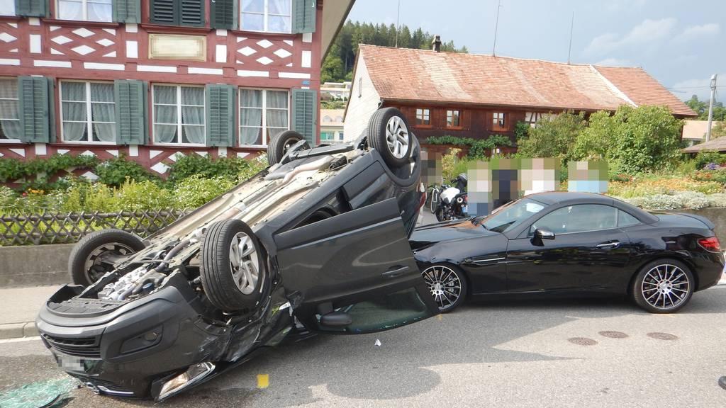 Bei der Kollision entstand ein Sachschaden von mehreren tausend Franken.