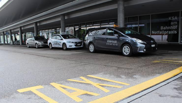 Die Taxi-Standplätze beim Bahnhof Aarau sind heiss begehrt.