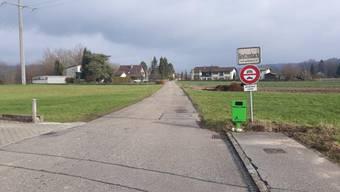 Die Ortsgrenze zwischen der Däniker Ettenbergstrasse und der Gretzenbacher Ettenburgstrasse.