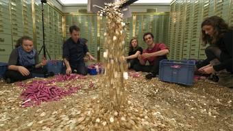 2500 Franken für jeden Schweizer: Volksinitiative «Bedingungsloses Grundeinkommen » eingereicht