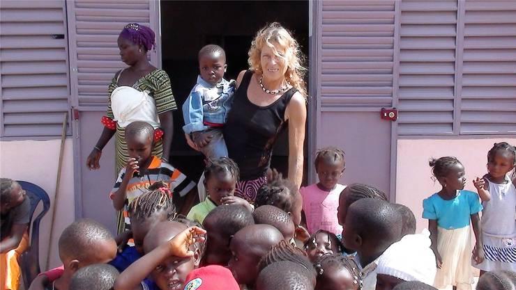 Die Kinder freuen sich über das Engagement von Marielle Furter. zvg