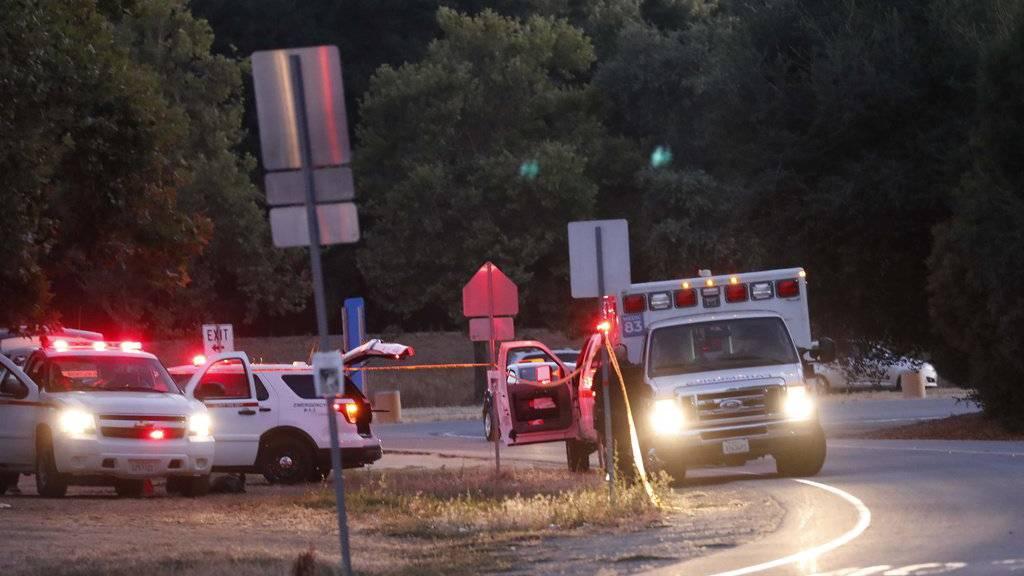 Schüsse auf US-Volksfest: Vier Tote und 15 Verletzte in Kalifornien