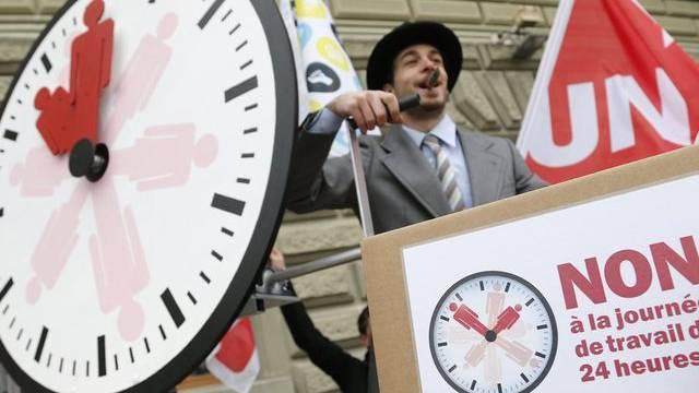 """Unterschriften für Referendum """"Nein zum 24-Stunden-Arbeitstag"""" eingereicht"""