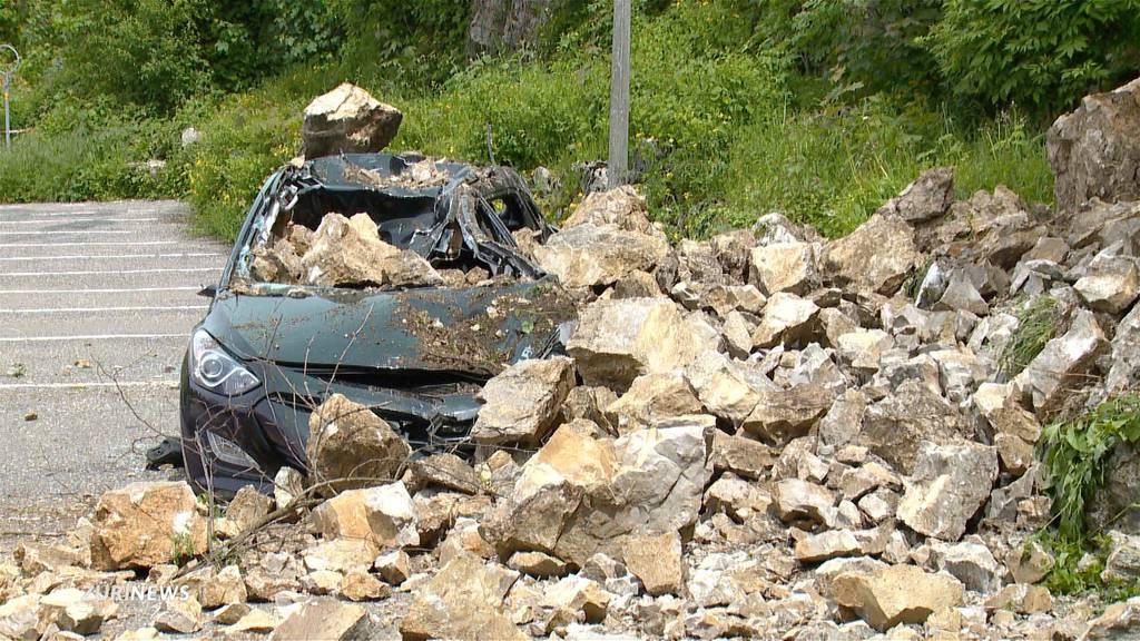 Ohne Vorwarnung: Heftiger Felssturz in Regensberg