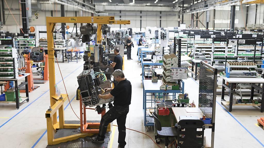 KOF-Konjunkturbarometer fällt auf tiefsten Stand seit 2015