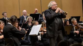 Der Trompeter Reinhold Friedrich als Solist im Konzert der Argovia Philharmonic.