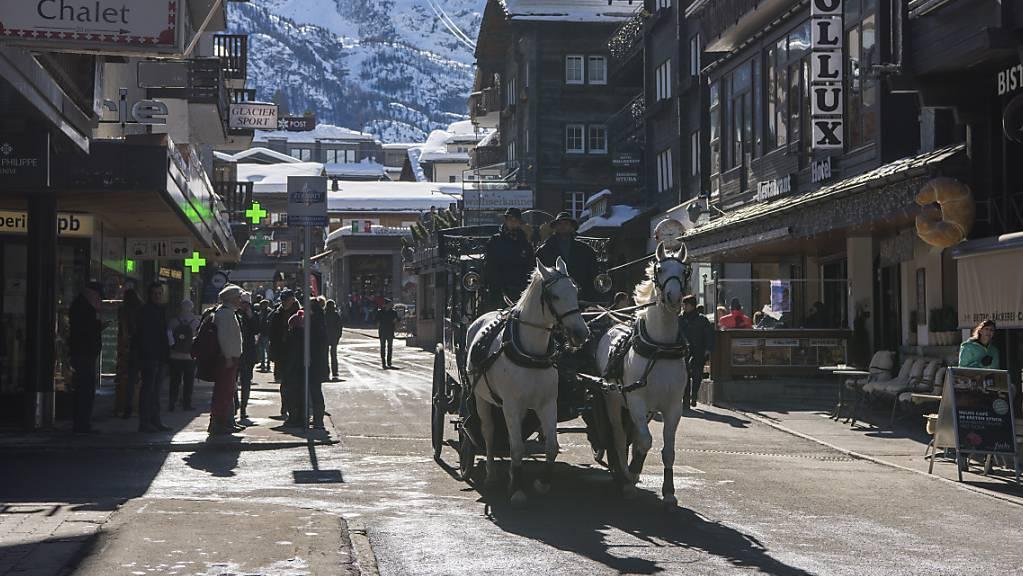 Mehr Hotelübernachtungen im Mai (Symbolbild Zermatt)