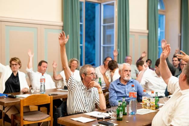 Mit 45 zu 7 Stimmen empfiehlt die SVP Aargau die Abschaffung der Schulpflege.