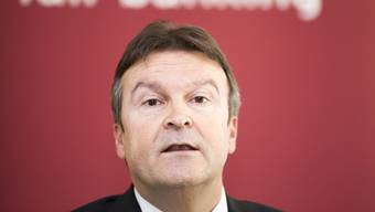 Trotz Berufsverbot bezieht Andreas Waespi weiterhin ein Gehalt.