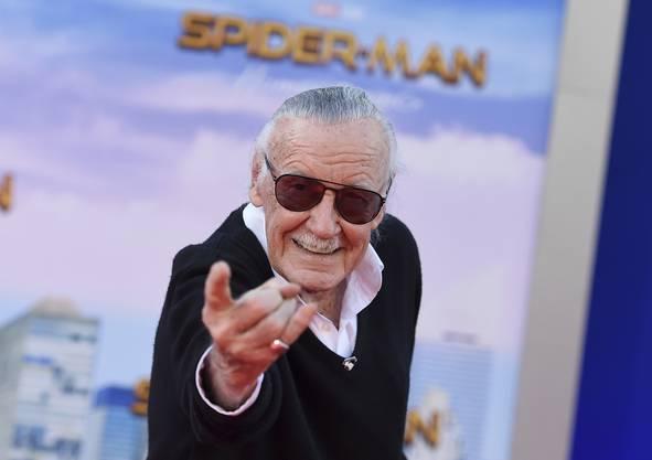 Der legendäre Comic-Zeichner Stan Lee ist im Alter von 95 Jahren in Los Angeles verstorben. Er erschuf Superhelden wie Spider-Man, Hulk oder Thor.